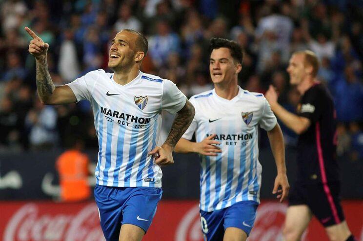 Sandro Ramirez celebra o primeiro golo do Málaga