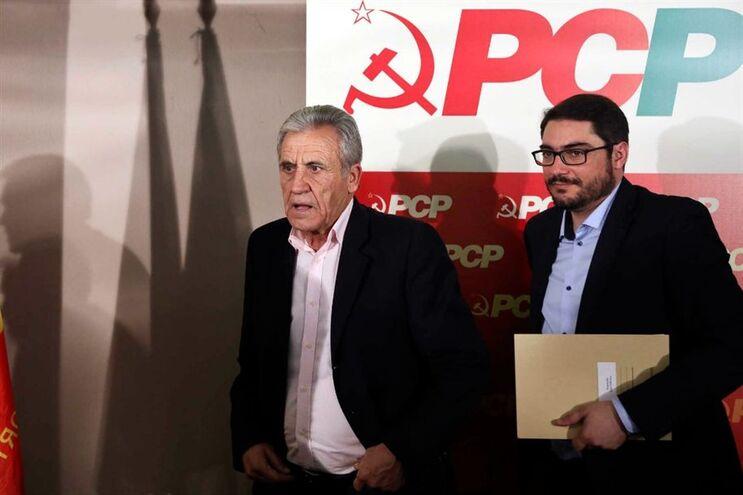 O secretário-geral do PCP, Jerónimo de Sousa, e o presidente do grupo parlamentar do PCP, João Oliveira
