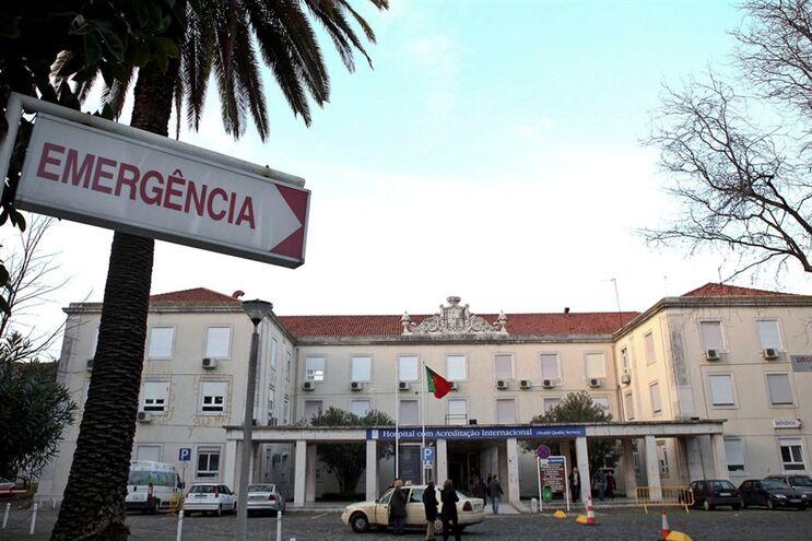 Jovem estava internada no Hospital D. Estefânia, em Lisboa
