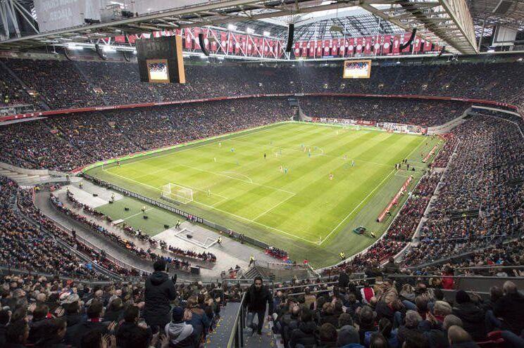A Arena de Amesterdão passará a chamar-se Johan Cruyff Arena