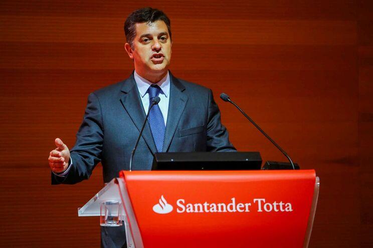 Ministro da Economia agradeceu às empresas contributo para o futuro do país