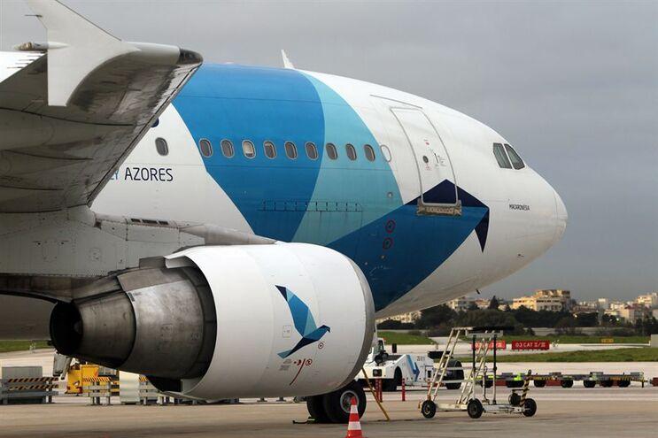 Tripulantes de cabine da transportadora aérea SATA em greve