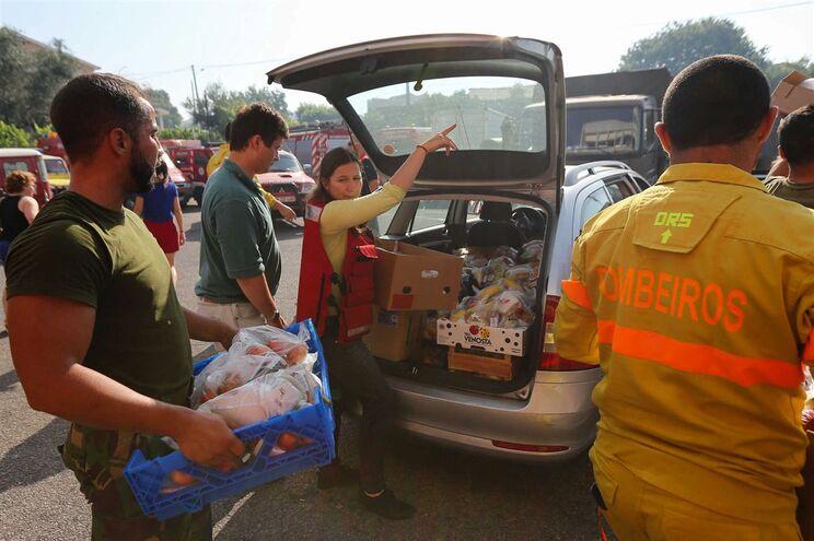 Sociedade civil respondeu à tragédia com várias doações a favor das vítimas