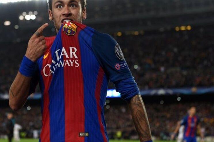 Neymar é alvo do PSG e poderá tornar-se na transferência mais cara da história do futebol