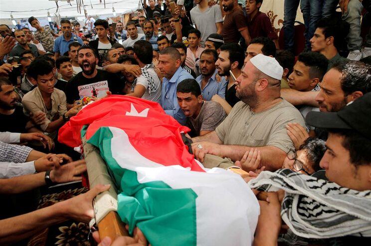 Funeral do jovem de 16 anos morto pelo guarda israelita