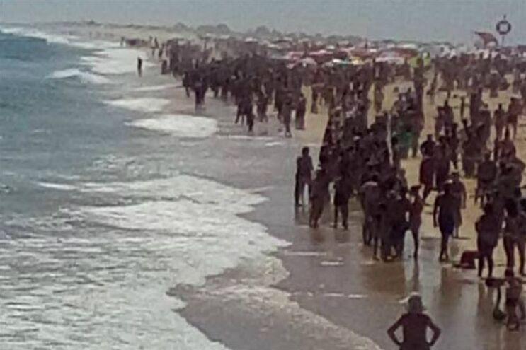 Banhistas foram retirados do mar por precaução