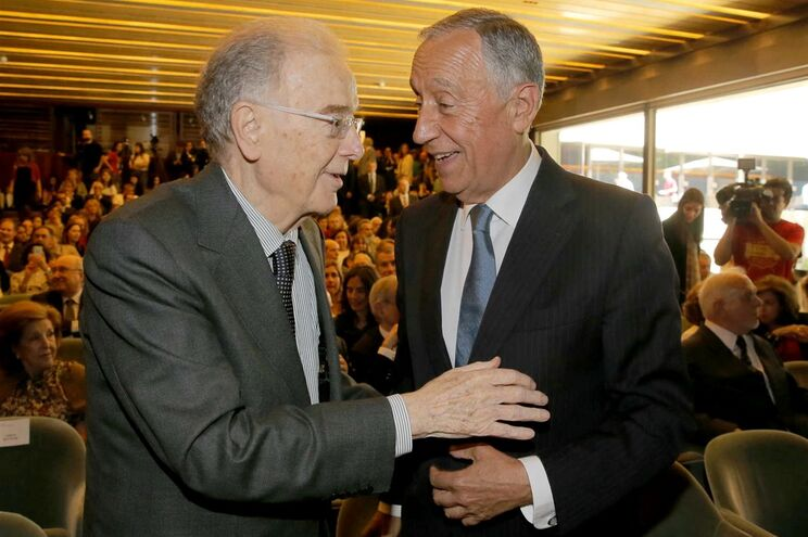 Jorge Sampaio e Marcelo Rebelo de Sousa na Fundação Calouste Gulbenkian, no passado mês de maio