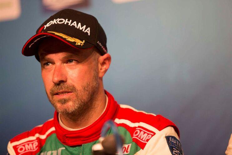 Tiago Monteiro ainda recupera do acidente sofrido em Barcelona