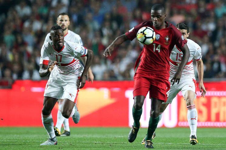 William Carvalho, médio da seleção nacional