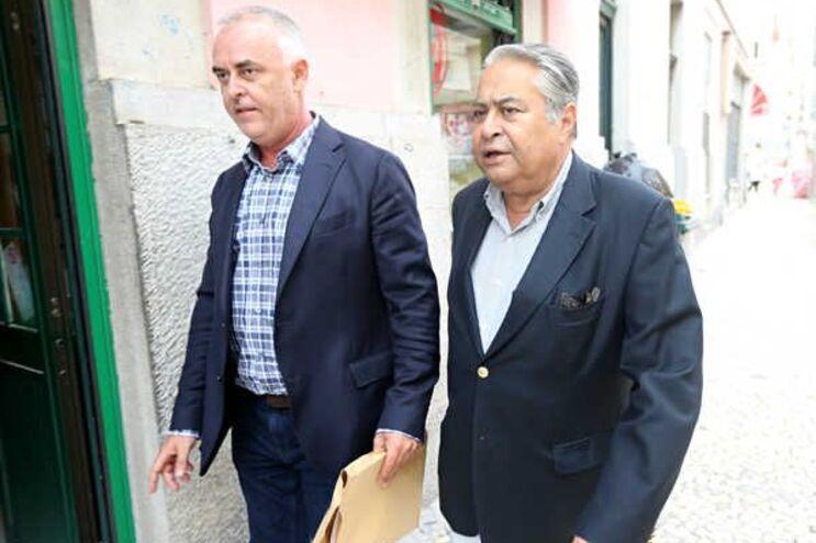 Os advogados Pedro Delille e João Araújo (à direita)