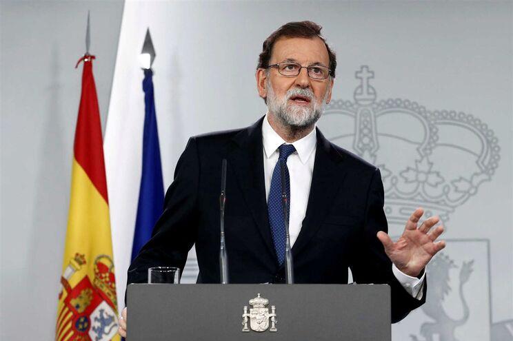 Rajoy anunciou adopção do artigo 155 da Constituição pela primeira vez