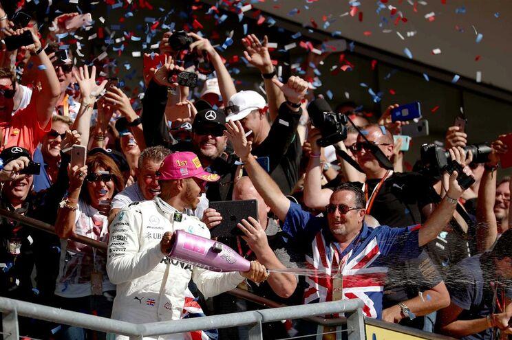 Lewis Hamilton festeja vitória em Austin