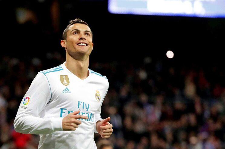 Cristiano Ronaldo deu, este sábado, o triunfo ao Real Madrid