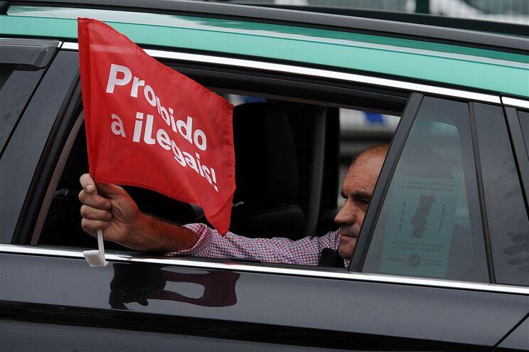 Tribunal declara ilegal atividade da Uber em Portugal