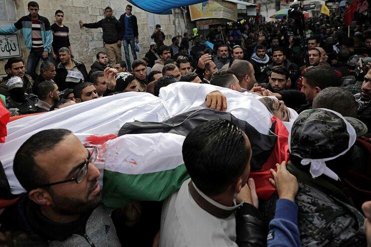 Escalada de violência já causou a morte de 12 palestinianos