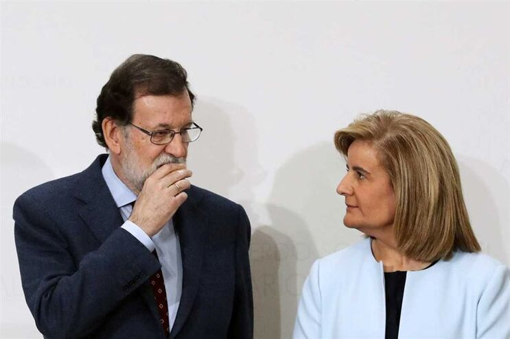 Mariano Rajoy e a ministra do Emprego, Fátima Báñez