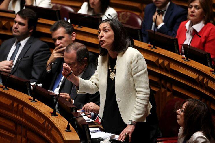 """PSD, PS, PCP e PEV realçam """"consenso alargado"""" para alterar lei do financiamento político"""
