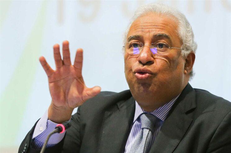 Professores pedem audiência a António Costa