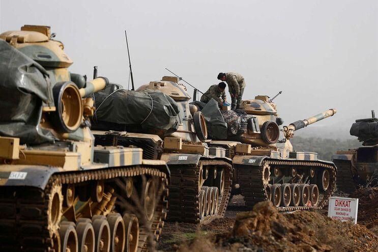 Turquia lançou ofensiva militar contra os combatentes curdos no norte da Síria