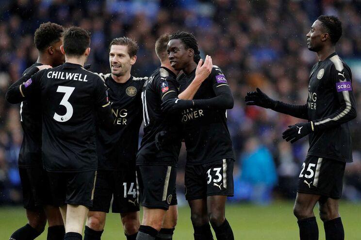 Leicester goleou Peterborough United e segue em frente na Taça de Inglaterra