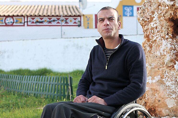 Pedro Andrade usa canábis para reduzir os espasmos e as dores