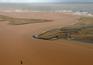 Corrente de lama e lixo mineiro que destruiu aldeia brasileira chegou ao Atlântico