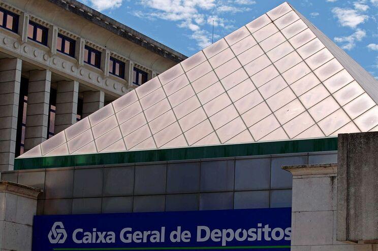 Perdas de 580 milhões de euros devido a sete empréstimos da Caixa