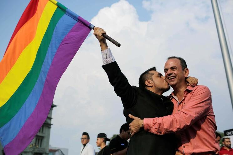 Justiça brasileira começou hoje a julgar eventual criminalização da homofobia