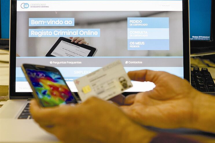 Já está disponível o serviço de agendamento online, incluindo do cartão do cidadão