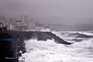 Mais de 700 passageiros da SATA à espera que furacão passe