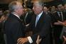 O Presidente da República, Marcelo Rebelo de Sousa (C), cumprimenta o antigo ministro da Saúde, Correia