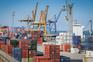 Considerando o acumulado do trimestre terminado em outubro passado, as exportações e importações de bens