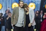 Salvador Sobral dispara no iTunes e nas apostas internacionais