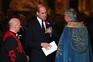 """Príncipe William diz que o filho mais novo tem um """"nome forte"""""""