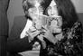 """A história nunca contada de """"Imagine"""" em documentário sobre John Lennon e Yoko Ono"""
