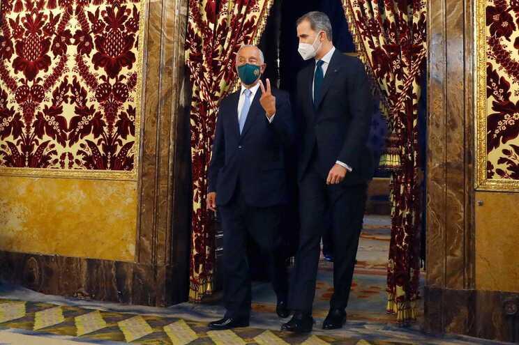 Marcelo Rebelo de Sousa foi recebido pelo rei Felipe VI de Espanha