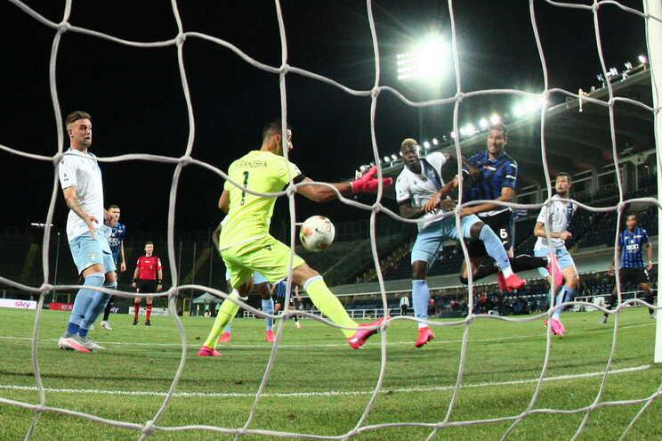 Palomino, do Atalanta, marca o 3-2 à Lazio
