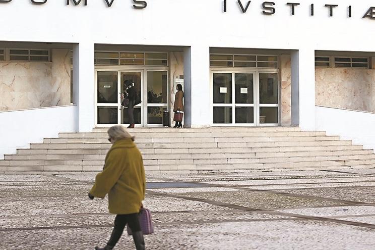 Tribunal de Braga ordenou entrega da menor ao pai