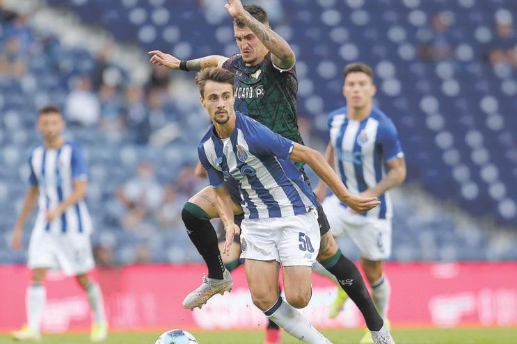 Fábio Vieira, titular com o Moreirense, fez três assistências