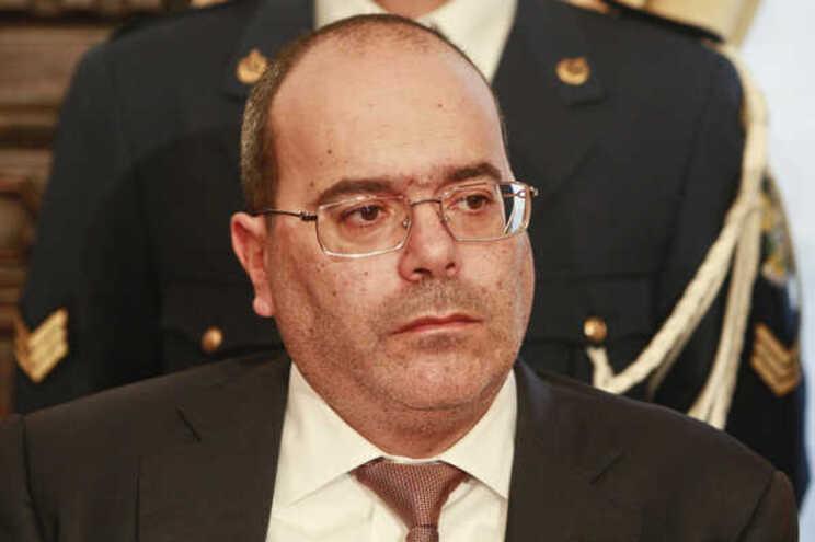 Firmino Pereira demarca-se da candidatura de Cancela Moura