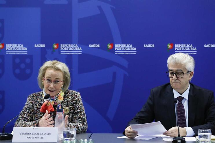 Graça Freiras, diretora-geral da Saúde, e António Lacerda Sales, secretário de Estado da Saúde