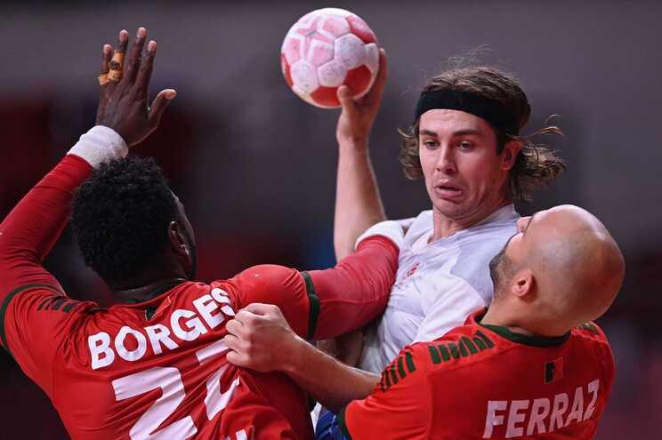 Seleção portuguesa de andebol perde com a Dinamarca por 34-28