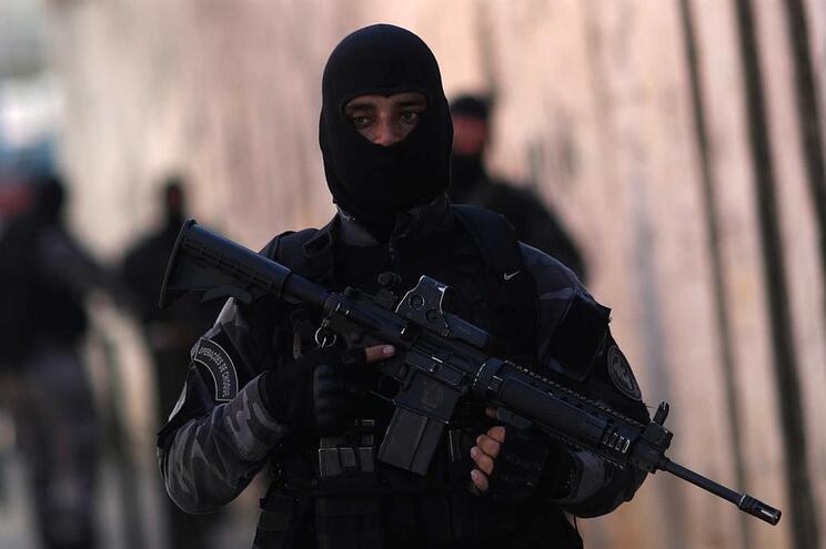 """Masculinidade"", o polémico requisito para se ser polícia noBrasil"