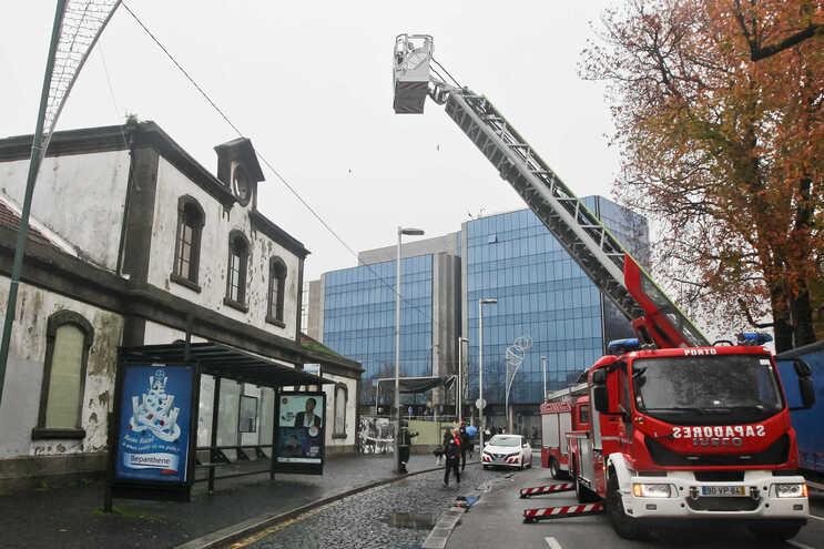 Incêndio danificou edifício da antiga estação ferroviária da Boavista