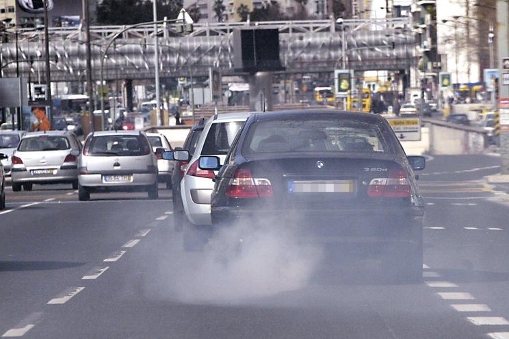 Poluição do ar custa em média 809 euros a cada português