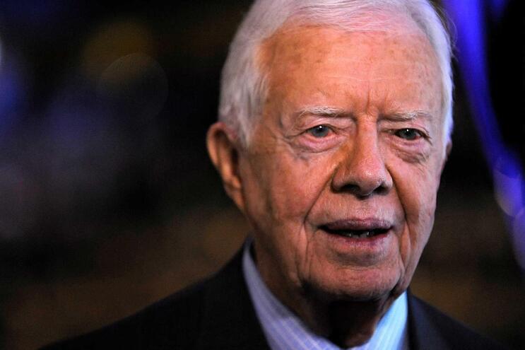 Antigo presidente dos EUA Jimmy Carter de novo hospitalizado