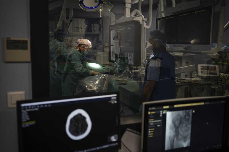 Nova sala de angiografia digital do S. João está a funcionar há cerca de um mês