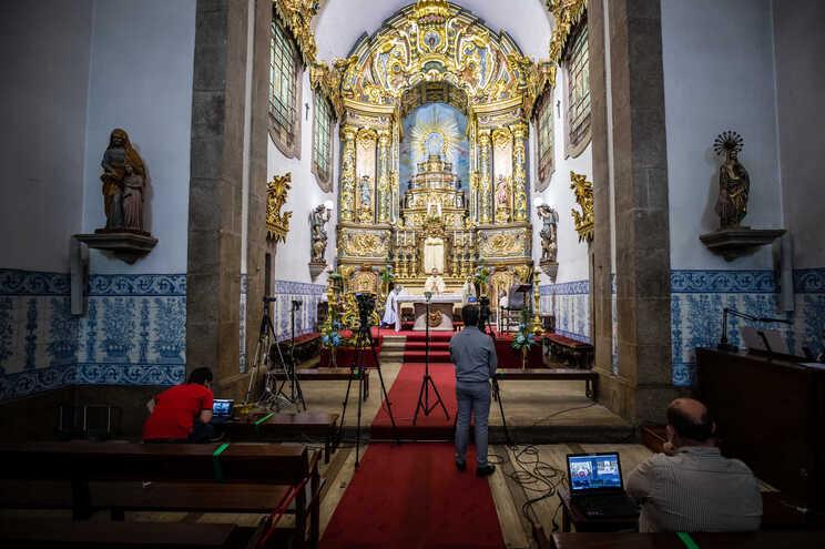 Missas são retomadas a 30 de maio com fiéis