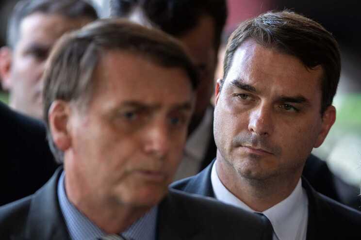 Jair Bolsonaro e o filho Flavio Bolsonaro