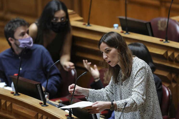 A deputada do Partido Comunista Português (PCP) Diana Ferreira
